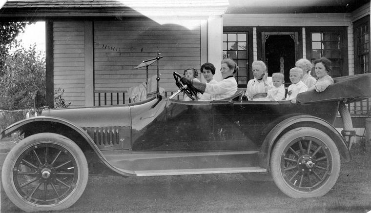 Automobile in Lethbridge, 1916