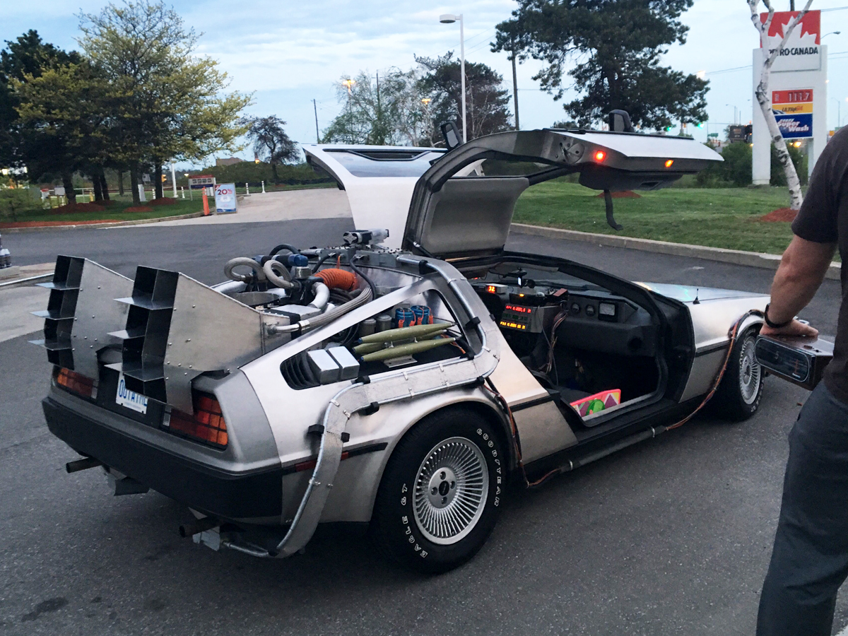 DeLorean at Petro-Canada - Pic 3