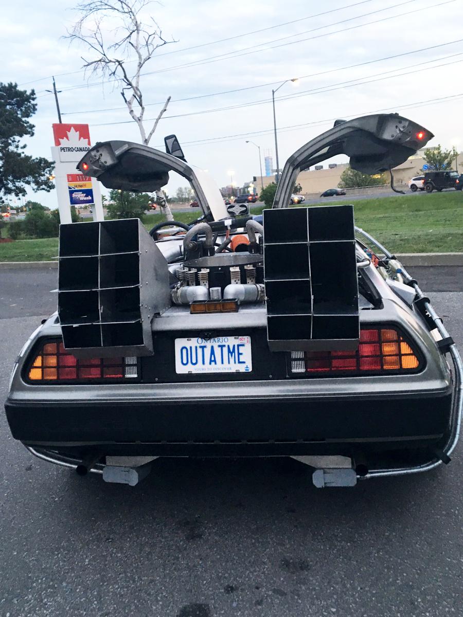 DeLorean at Petro-Canada - Pic 5